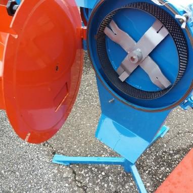 Mlin tronožac s 1,5 kw motorom kapac.200kg-h